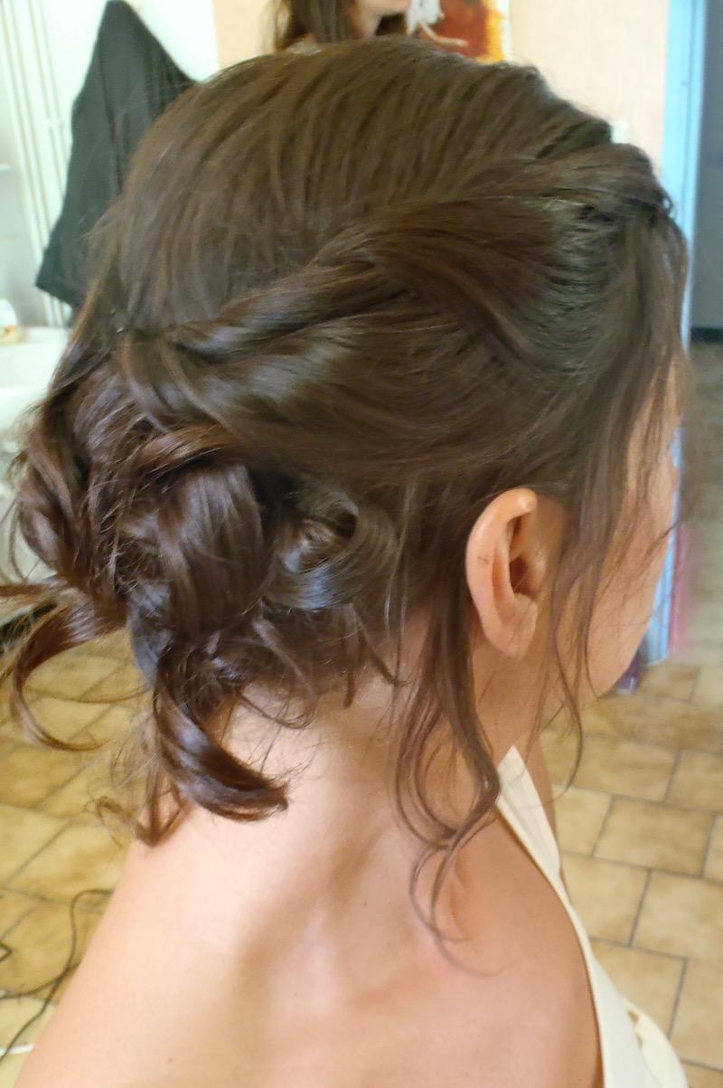 coiffure romantique torsadée